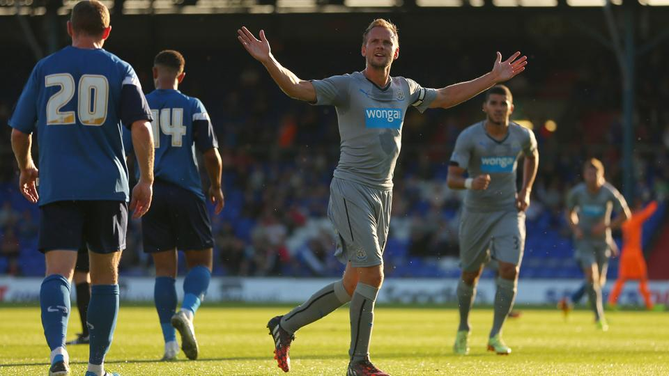 Big things are expected out of newcomer Siem de Jong, center, at Newcastle this season.