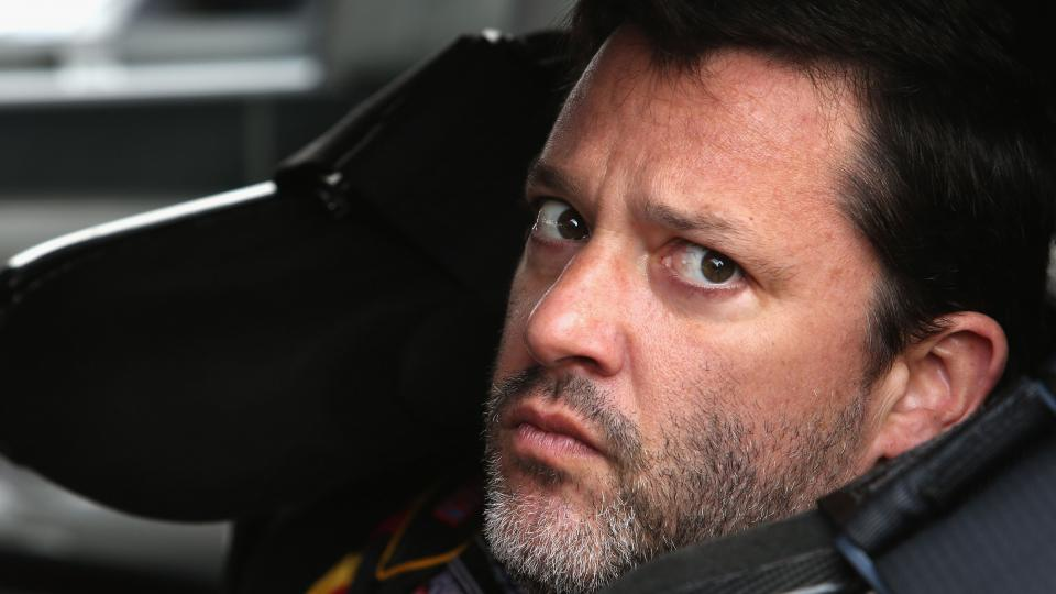 Tony Stewart pulls out of Sunday's race at Michigan Speedway
