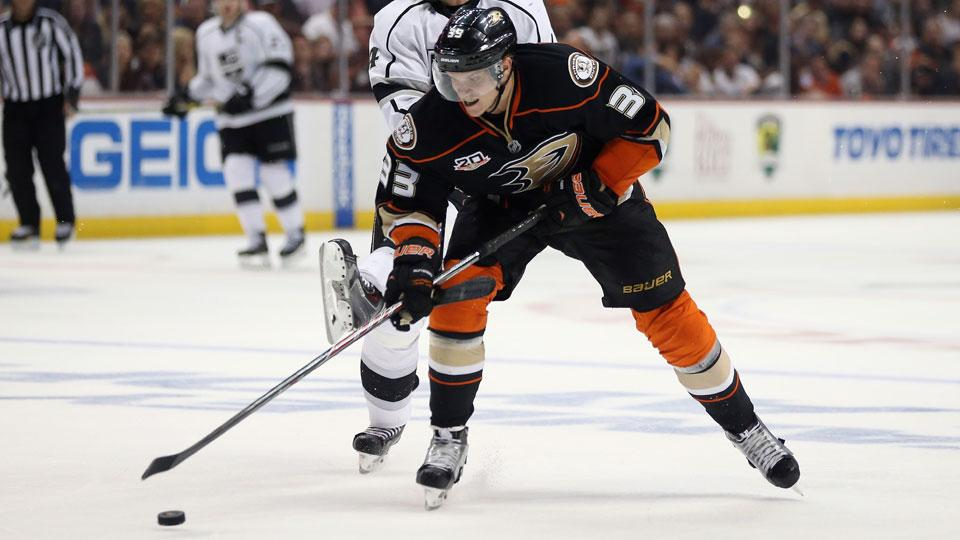 Report: Ducks re-sign RFA Jakob Silfverberg on one-year deal