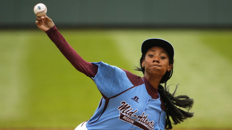 Mo'Ne Davis becomes first girl to throw a shutout in LLWS