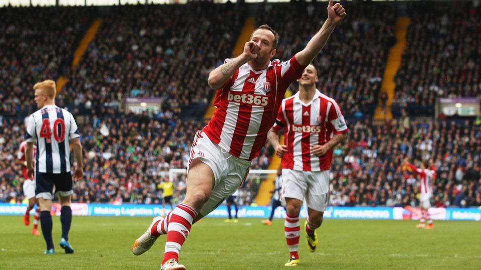 Stoke City plays Aston Villa to start the 2014/15 Premier League season.