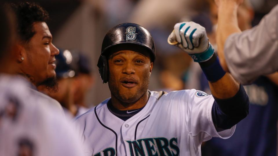 Mariners 2B Robinson Cano back in lineup after minor foot bruise