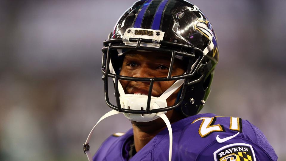 Ray Rice leaves Ravens preseason game early with shoulder injury