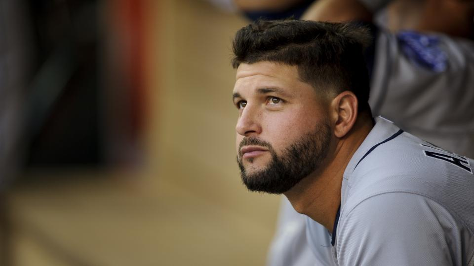 Report: Padres' Yonder Alonso done for season with damaged arm tendon