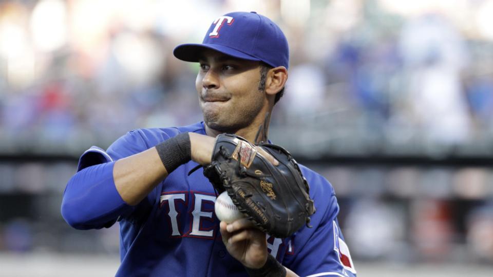 Rangers release veteran first baseman Carlos Peña