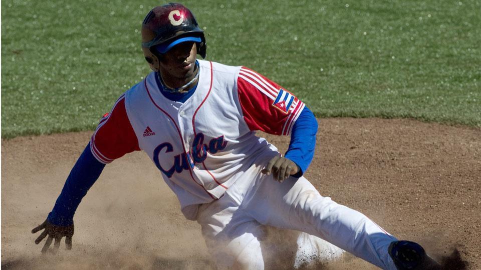 Report: Cuban Rusney Castillo 'moving rapidly' toward decision