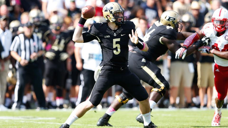 Purdue names Danny Etling starting quarterback