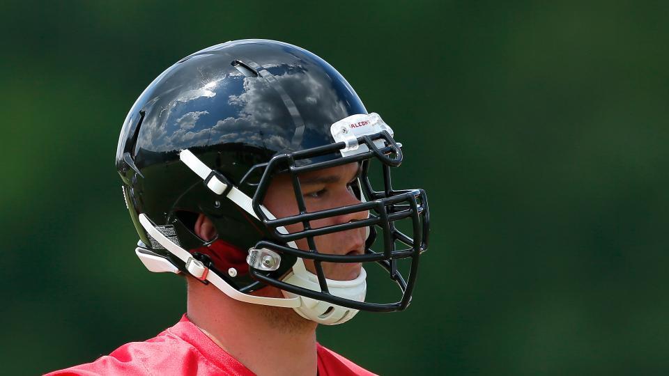 Atlanta Falcons move Jake Matthews to left tackle after Sam Baker's injury