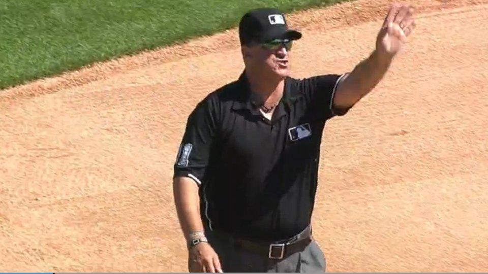 Mariners' Lloyd McClendon got tossed from a game for waving his hand at a call