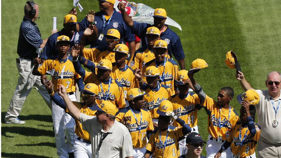 Chicago's Jackie Robinson West rallies to eliminate R.I. in LLWS