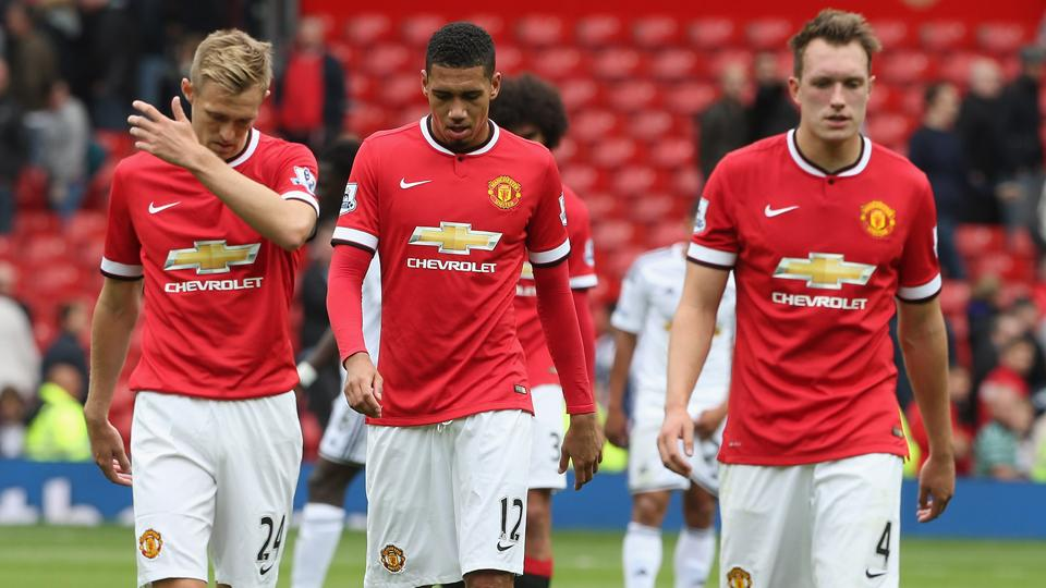 There were plenty of heads down at Old Trafford Saturday, with Manchester United dropping its season opener to Swansea City.