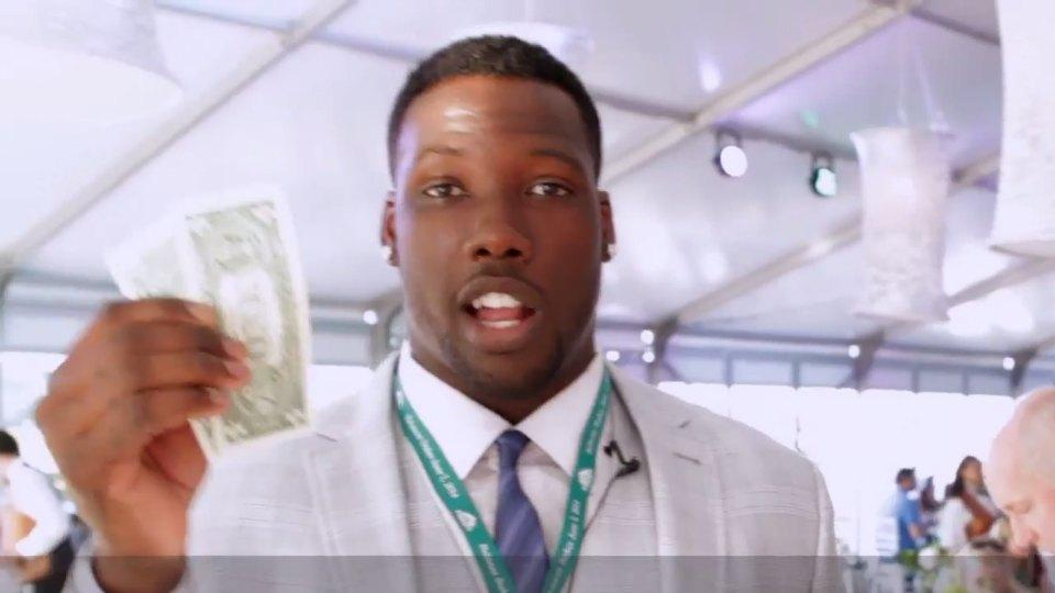 Giants DE Jason Pierre-Paul goes to the track to face his fear of horses