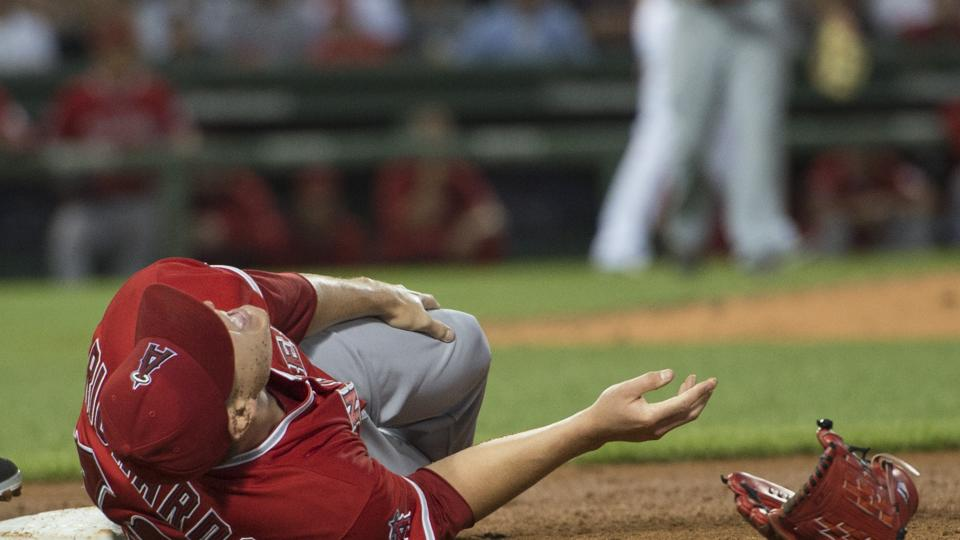 Angels pitcher Garrett Richards out 6-9 months with patellar tendon injury