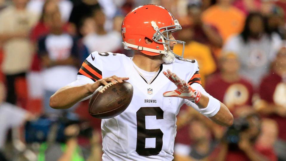 Browns name Brian Hoyer starting quarterback over Johnny Manziel