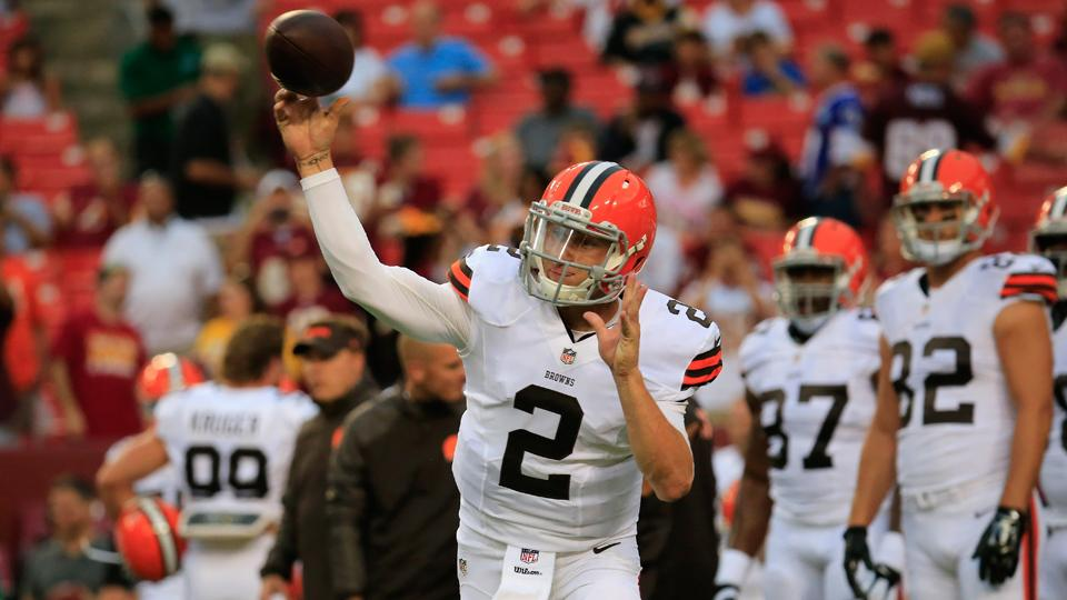 Reports: Johnny Manziel fined $12,000 for flipping off Redskins