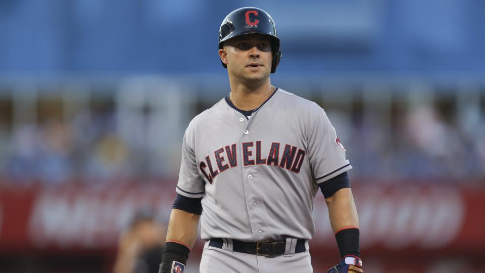 Indians' Nick Swisher has surgery on both knees, done for season