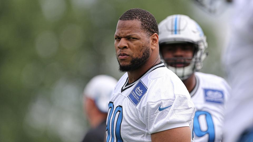 Poll: NFL players would least want to fight Ndamukong Suh