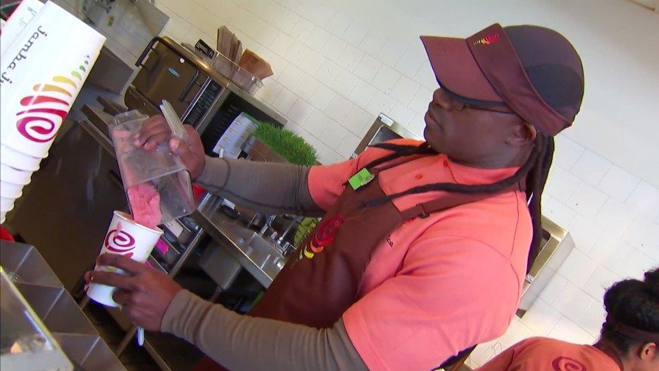 49ers' Vernon Davis put on a disguise and jumped behind the counter at a Jamba Juice