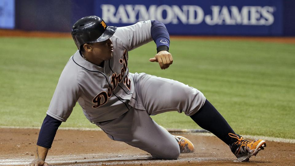 Tigers 1B Miguel Cabrera aggravates right ankle after home plate slide