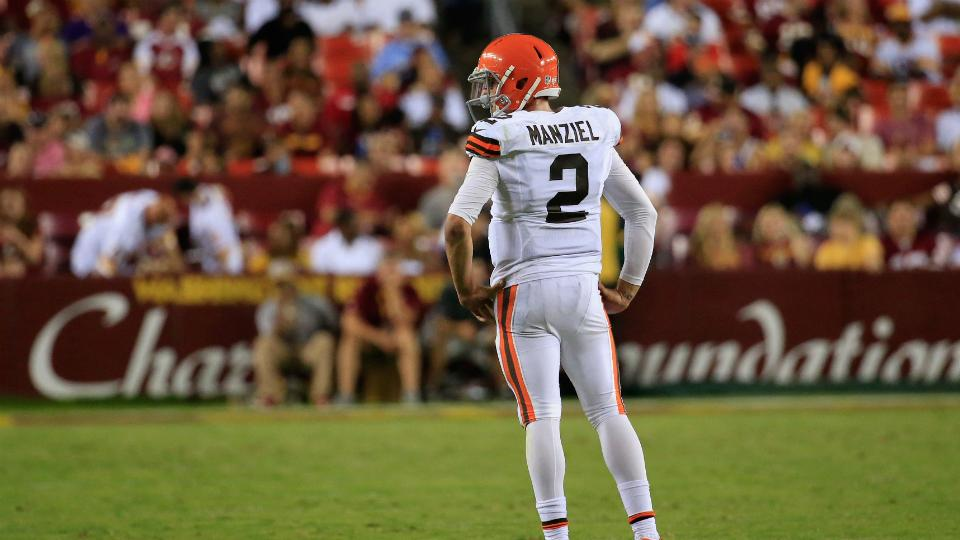 Watch: Michael Sam sacks Johnny Manziel, does his money sign