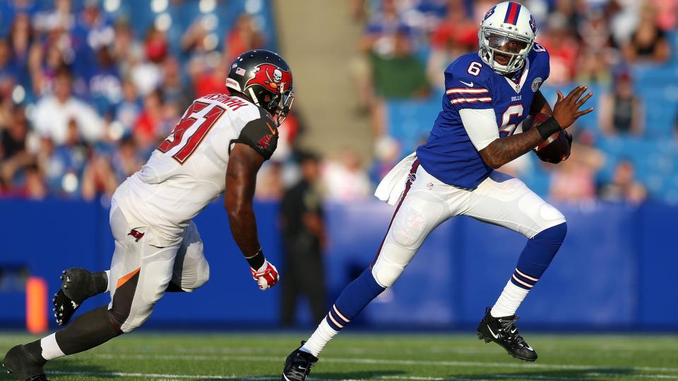 Bills cut quarterback Dennis Dixon