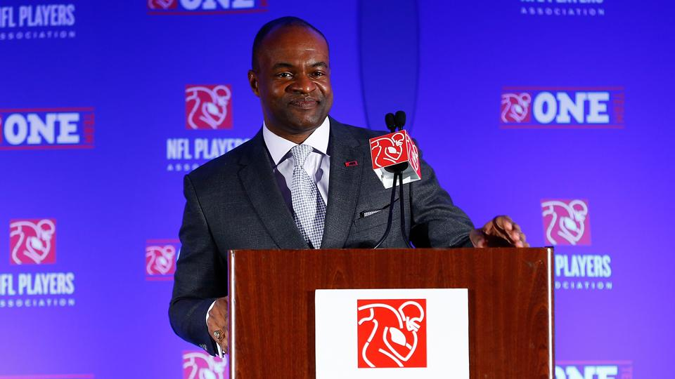 NFLPA's DeMaurice Smith on 18 games: 'It's not my decision to make'