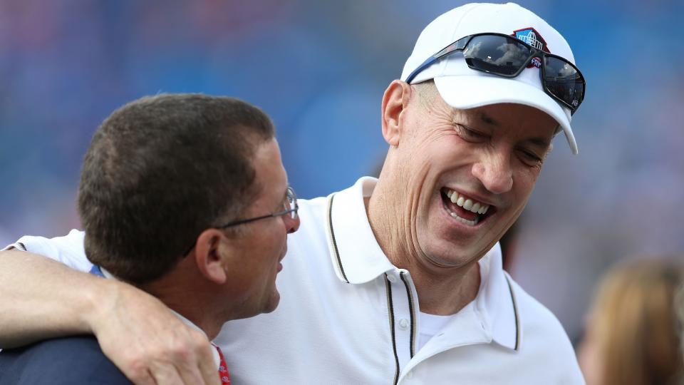 Jim Kelly attends first Bills game since being declared cancer-free