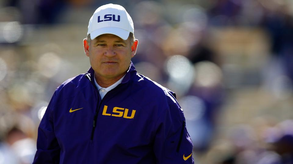 LSU's Les Miles: QBs Harris, Jennings will play against Wisconsin