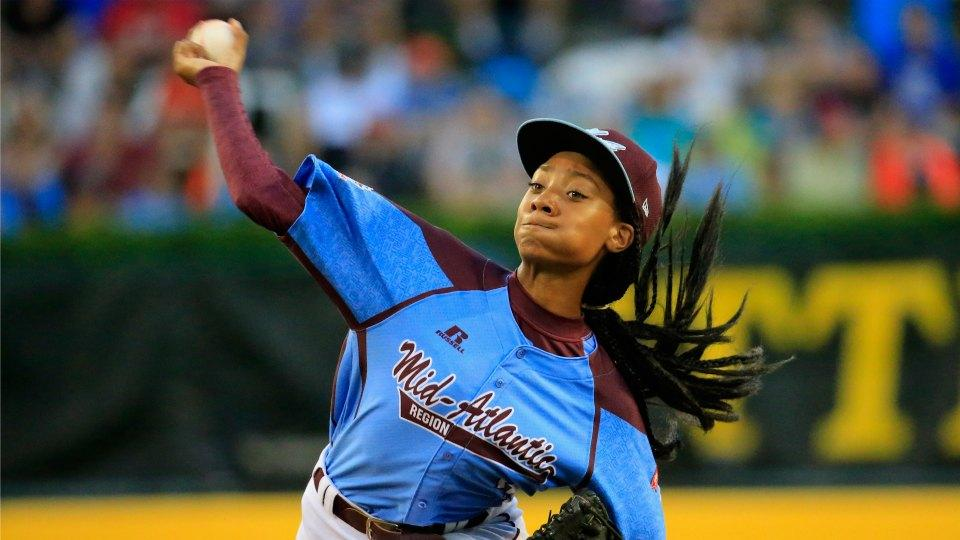 Watch a young Mo'ne Davis breaking ankles on the basketball court
