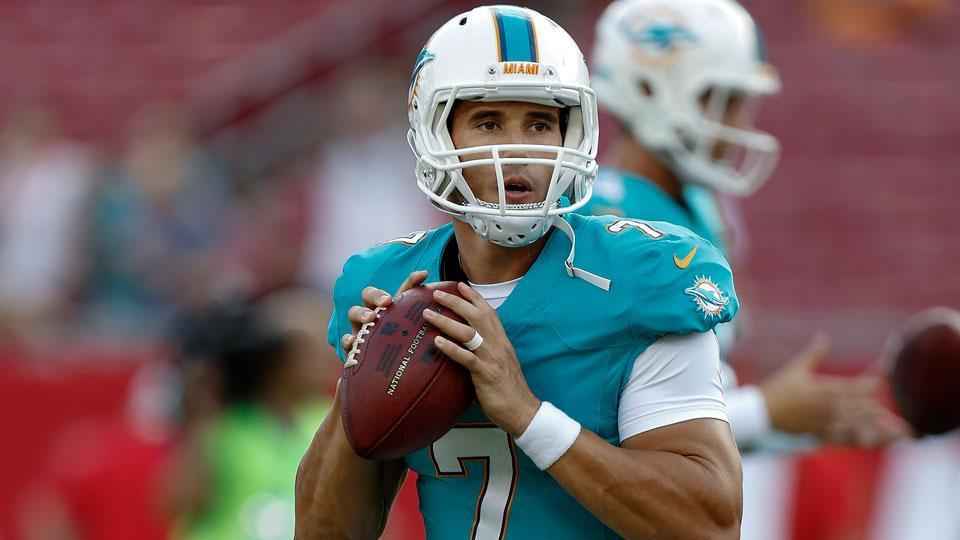 Dolphins cut quarterback Brady Quinn