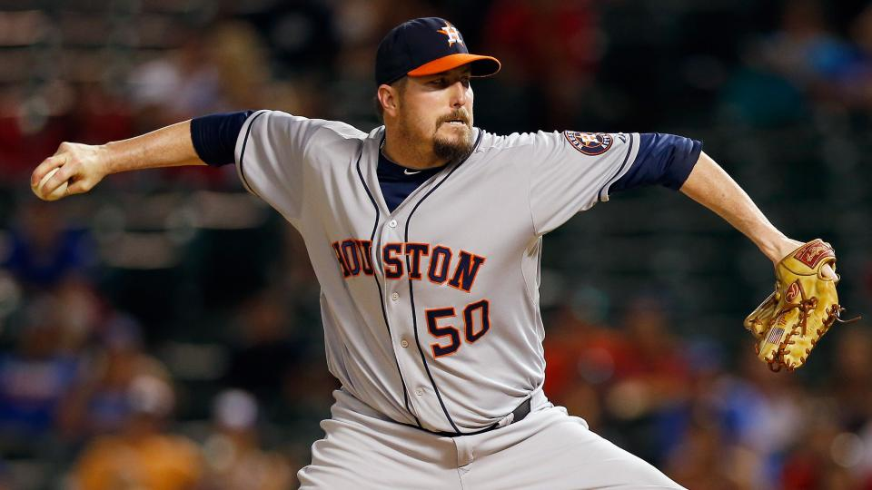 Report: Tigers claim Astros closer Chad Qualls on waivers