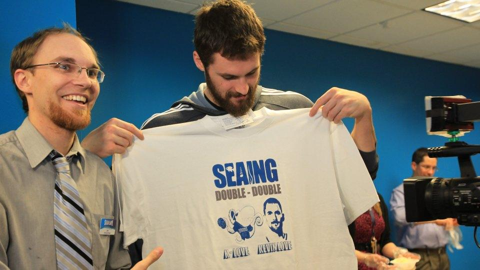 Cleveland and Minnesota aquariums complete trade of Kevin Love the Octopus