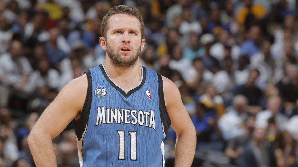 Report: Timberwolves tried to trade J.J. Barea to 76ers, might release him