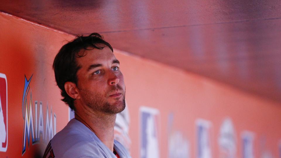 Cardinals pitcher Adam Wainwright admits to battling 'dead arm'