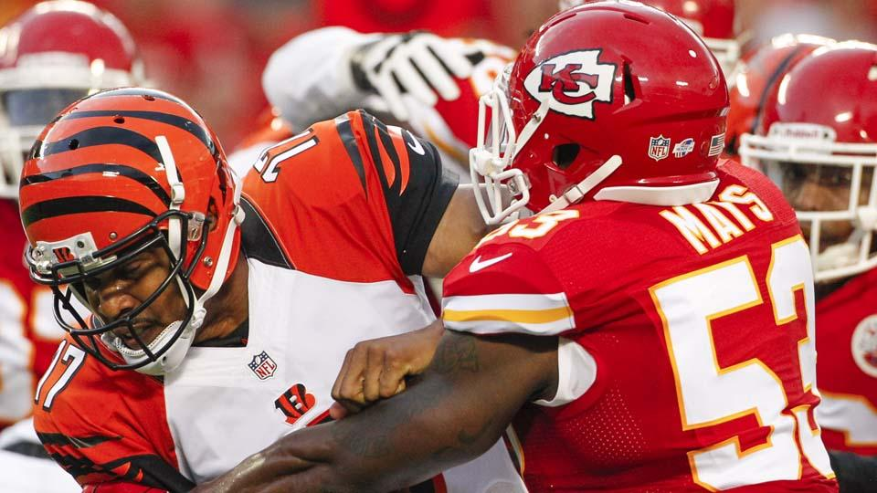 Report: Chiefs LB Joe Mays out six weeks after wrist surgery