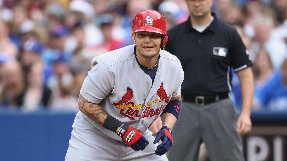 Cardinals' Yadier Molina could return from thumb surgery this weekend