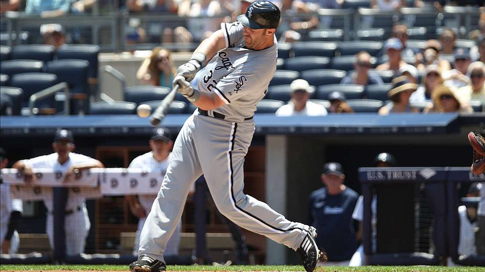 Giants, Athletics angling to acquire White Sox slugger Adam Dunn