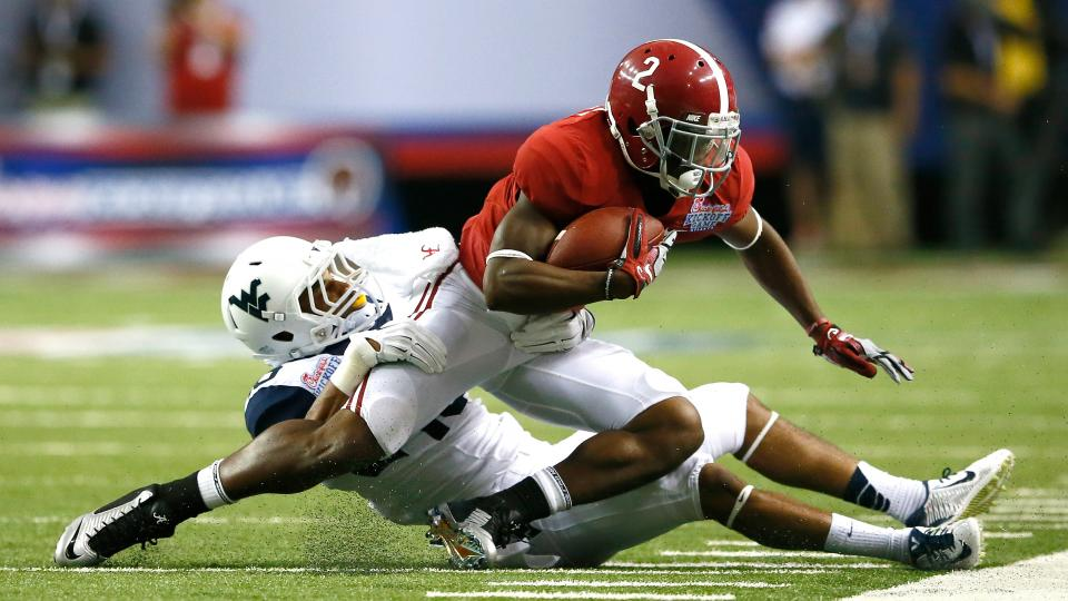 Alabama WR DeAndrew White suffers a 'little separated shoulder'
