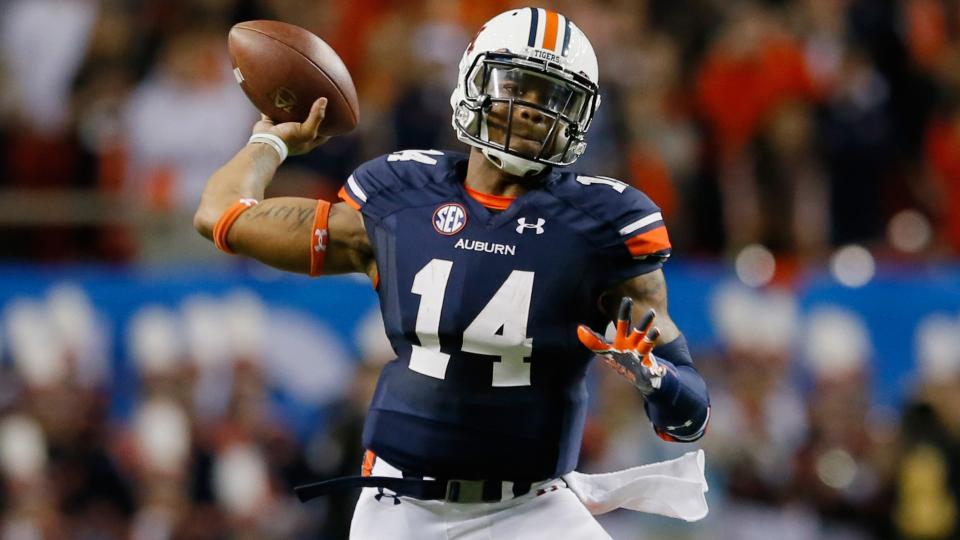 Auburn QB Nick Marshall starts second half against Arkansas