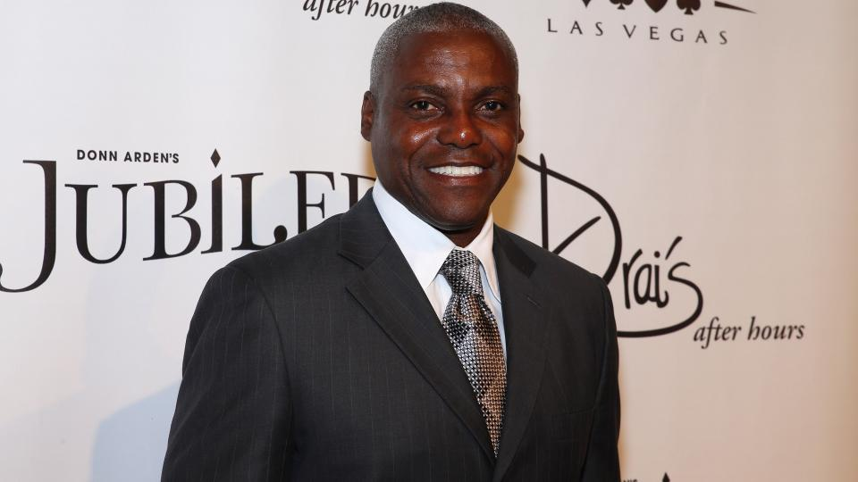 Carl Lewis joins Houston Cougars' track coaching staff