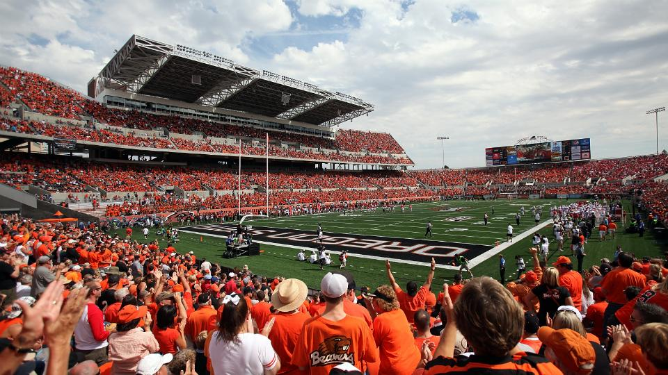 Pac-12, Oregon State at odds over stadium video replays