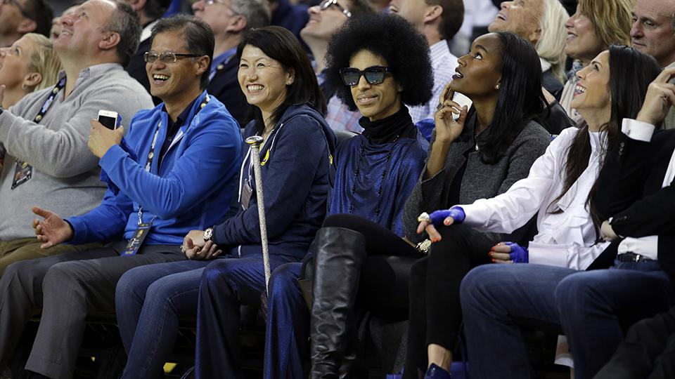 Prince stopped by the Thunder-Warriors game to see Stephen Curry