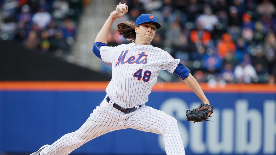 Mets' Jacob deGrom to stay in Florida with sick newborn