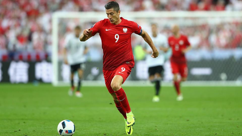 Poland edge past Switzerland on penalties