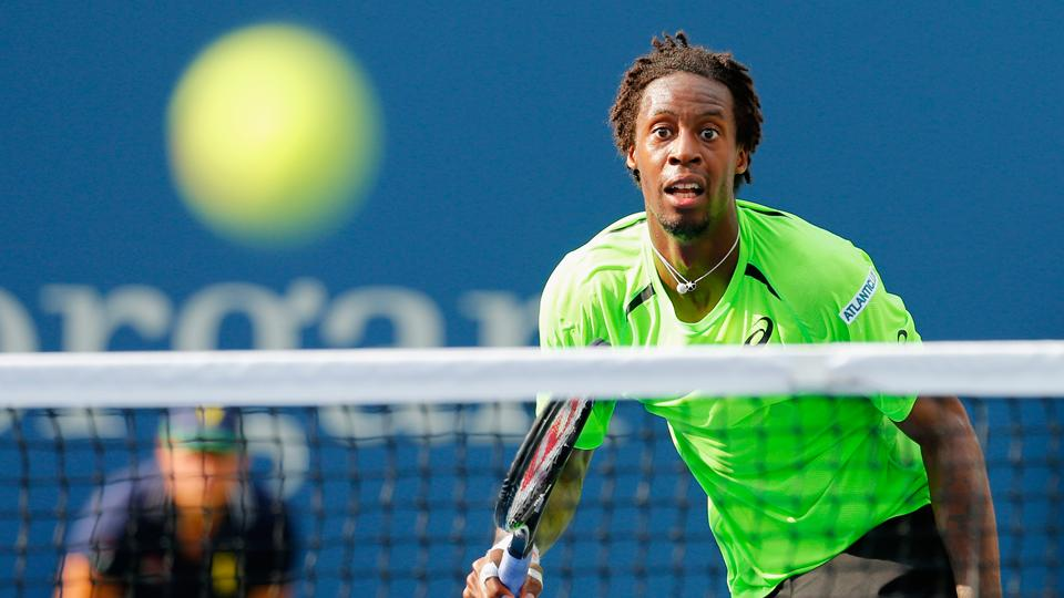 Gael Monfils, Peng Shuai coast through matches unscathed on Day 9