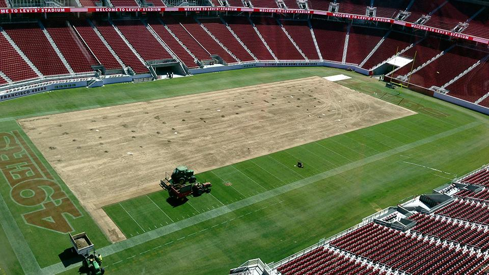 San Francisco 49ers' turf wars continue in new Levi's Stadium