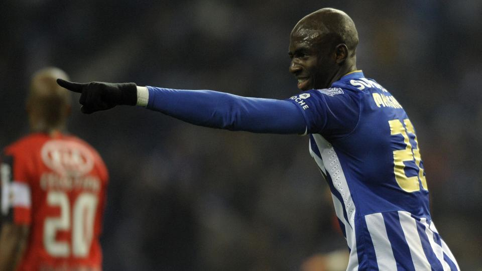 Eliaquim Mangala's transfer to Manchester City from Porto complete