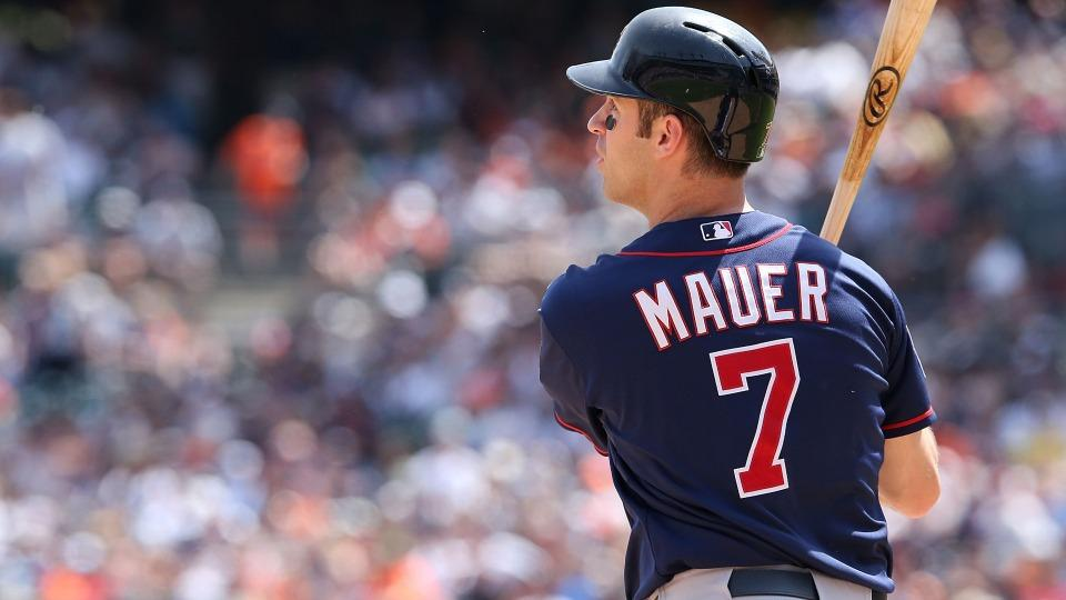 Twins' Joe Mauer heads to 15-day DL with strained oblique