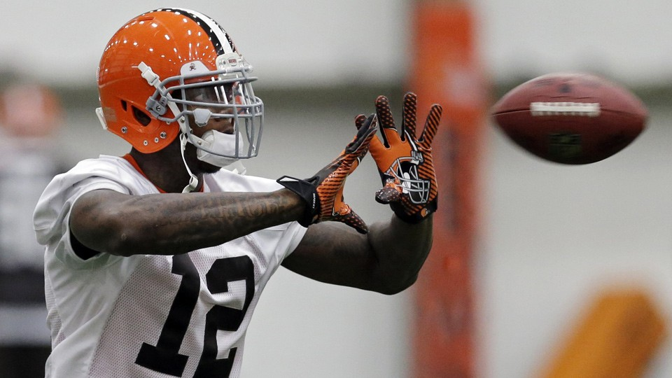 Josh Gordon starts for Cleveland while awaiting decision on his appeal