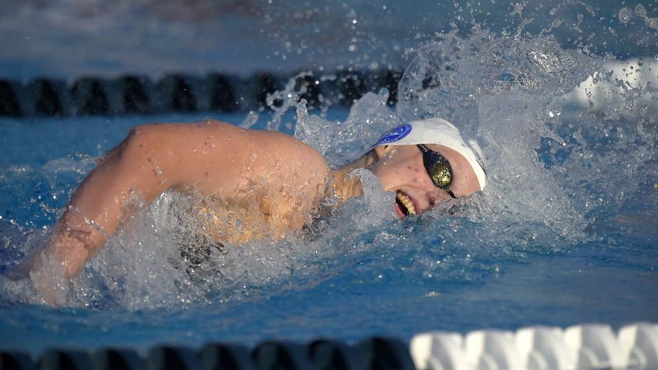 Ledecky sets record at U.S. National Championships, Phelps struggles